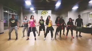 """Calma' Farruko ft Pedro Capo ZUMBA by Priscila Sartori y Honduras Dance Crew"