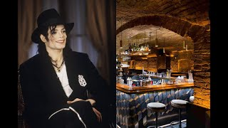 Он выступал в пивнушках,а позже стал королем поп музыки.             История Майкла Джексона.