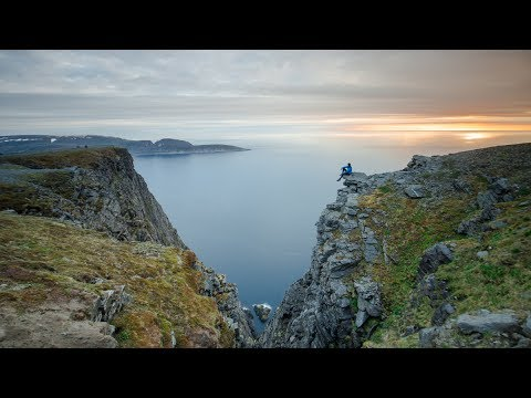 Photographing the Midnight Sun in Nordkapp, Norway  |  Norway Photography Vlog