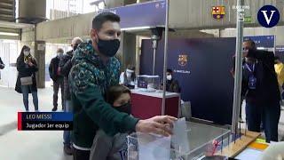 Leo Messi acude a votar por primera vez en unas elecciones a la presidencia del Barça