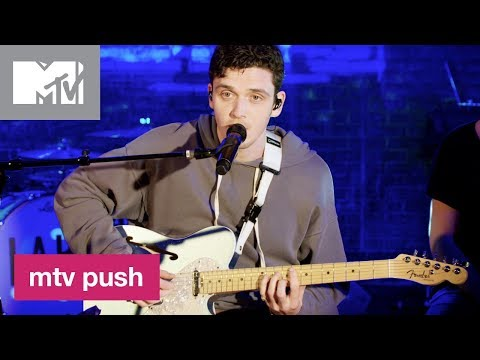Lauv Performs 'Paris In The Rain' (Live Performance) | MTV Push