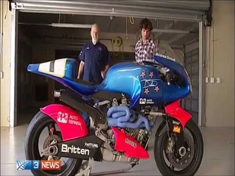 Guy Martin rides the Britten at Manfield.
