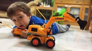ESCAVADEIRA DE CONTROLE REMOTO!! RC Toy Excavator Construction Trucks for Kids