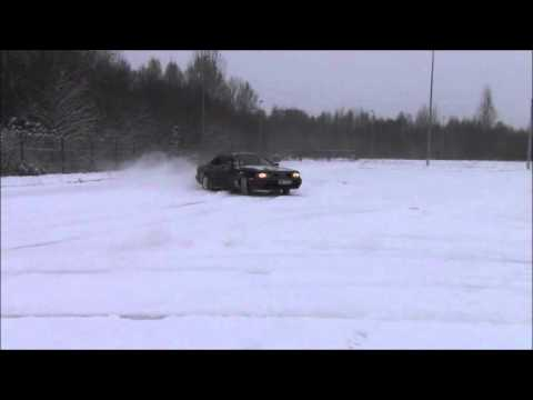 Audi V8 winter drift