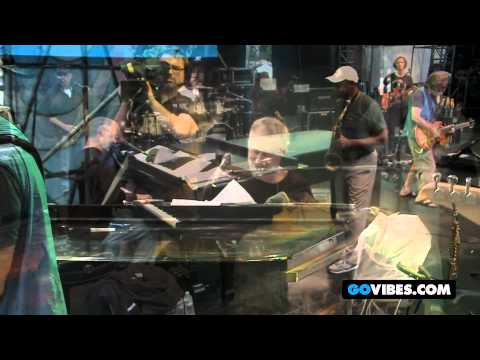 """Weir, Hornsby, and Marsalis Perform """"King of the Hill"""" into """"Big Boss Man"""" at GOTV 2012"""