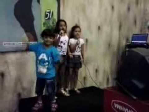 Kauany Julia Breno, karaoke do Belo