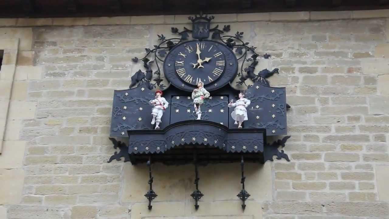 Reloj del Ayuntamiento de Laguardia (Álava) - YouTube