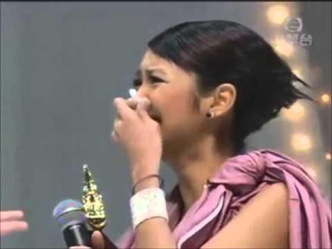 2004年度叱吒樂壇流行榜頒獎典禮 生力軍女歌手金獎 薛凱琪