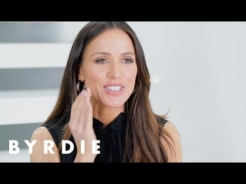 Celebrity Makeup Artist Mary Phillips's 5 Beauty Essentials  Just Five Things  Byrdie
