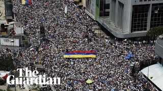 Tens of thousands protest in Venezuela to urge Nicolás Maduro to resign