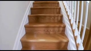 видео Скрип деревянной лестницы в доме: решение проблемы