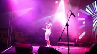 Skye Wanda - Easy (Live Performance)