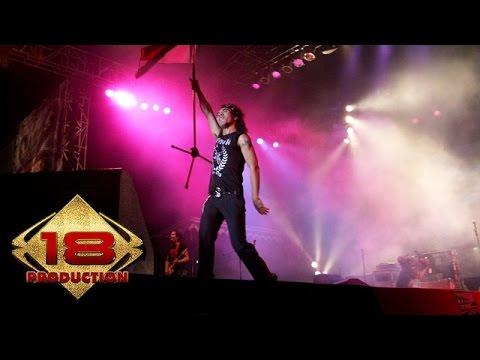 Slank - Sosial Betawi Yoi (Live Konser Palembang 1 Juli 2006)