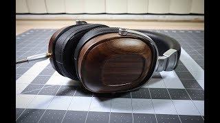 B8 Wooden Mahogany Headphones by Wooden Choice