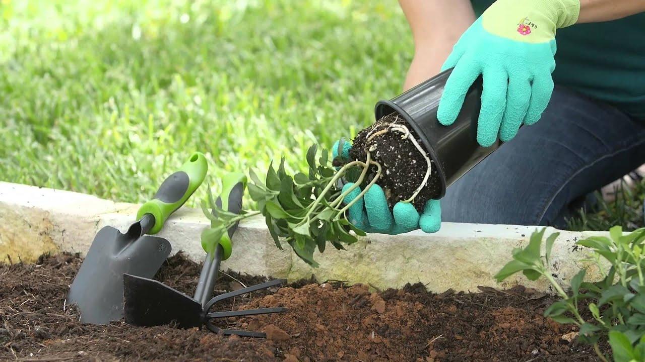 G  F Women Garden Gloves With Microfoam Nylon Latex -6077