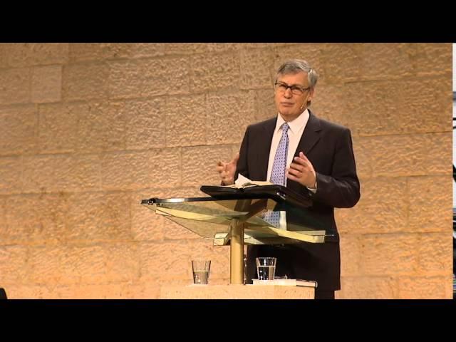 Ulf Ekman tillkännager att han lämnar Livets Ord och konverterar till romersk katolska kyrkan.