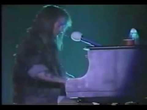 Guns 'N' Roses – Axl Rose piano solo
