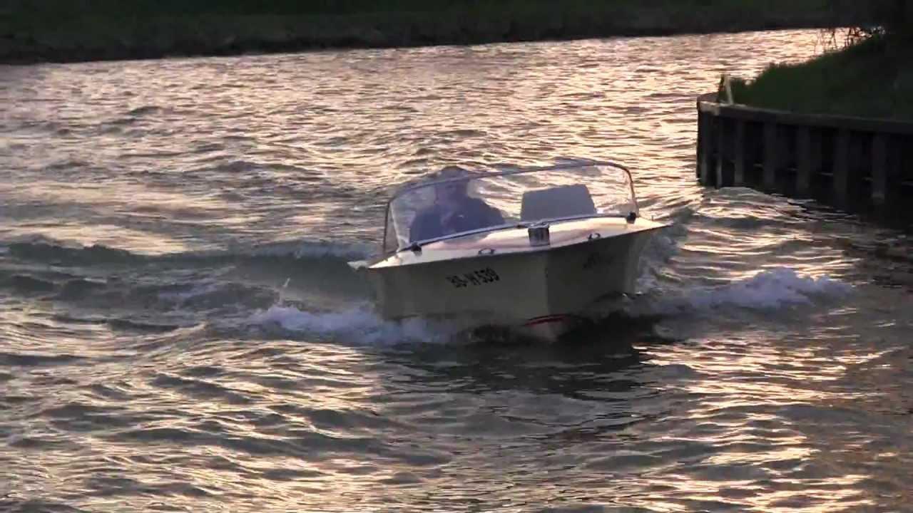 oldtimer vintage sportboot libelle mit 40 ps mercury. Black Bedroom Furniture Sets. Home Design Ideas