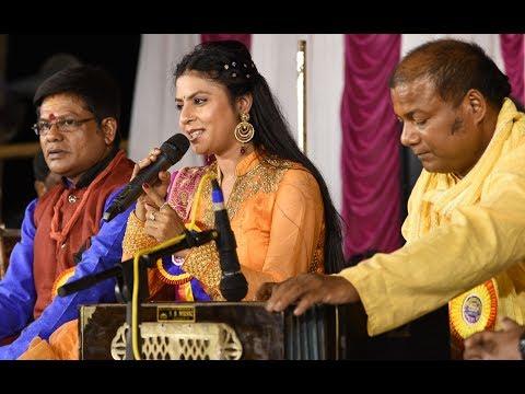 Yashomati Maiyya Se Bole Nand Lala | Sarrika Singh Live | Bhajans