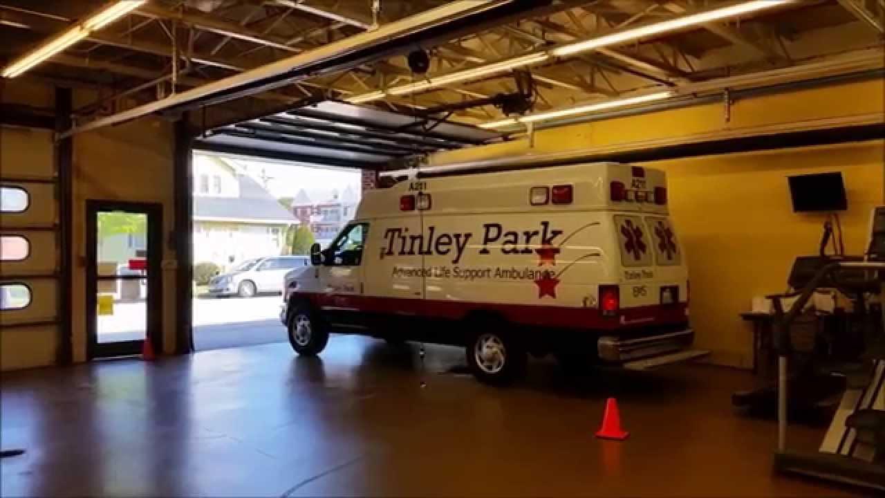 Tinley Park FD: Ambulance 211, Engine 202 and BC 201 Responding