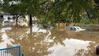 Raw: Hundreds Rescued From Calif. Floodwaters