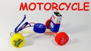 WIE MACHT SPIELZEUG MOTORRAD