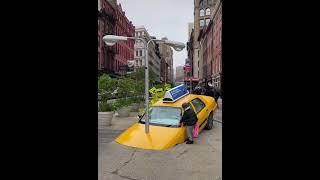 어느 뉴욕 거리에있는 택시가로등