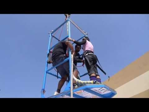 Bungee jumping by Sania