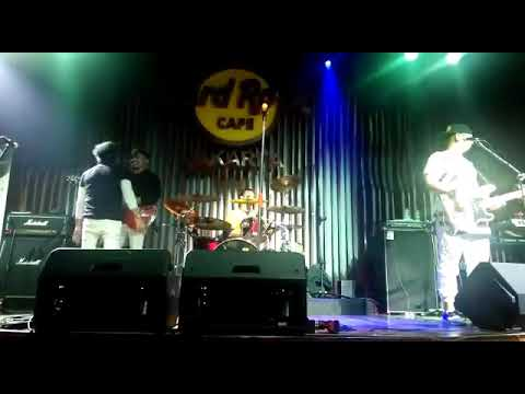 Gak ada waktu by radja band Live Hard Rock Cafe Jakarta