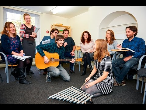 Train to become a music therapist