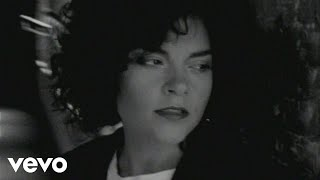 Watch Rosanne Cash The Way We Make A Broken Heart video