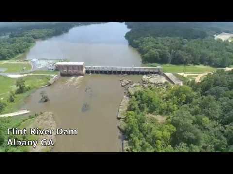 Ke4she Flying the Flint River Dam in Albany GA