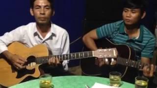 Lối về xóm nhỏ trình bày Quang Trung guitar Ngọc Tân - Đức Tính trống Đức khánh