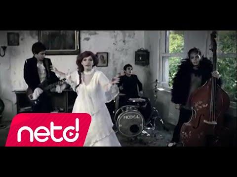 Model - Pembe Mezarlık Remix [Syquel]
