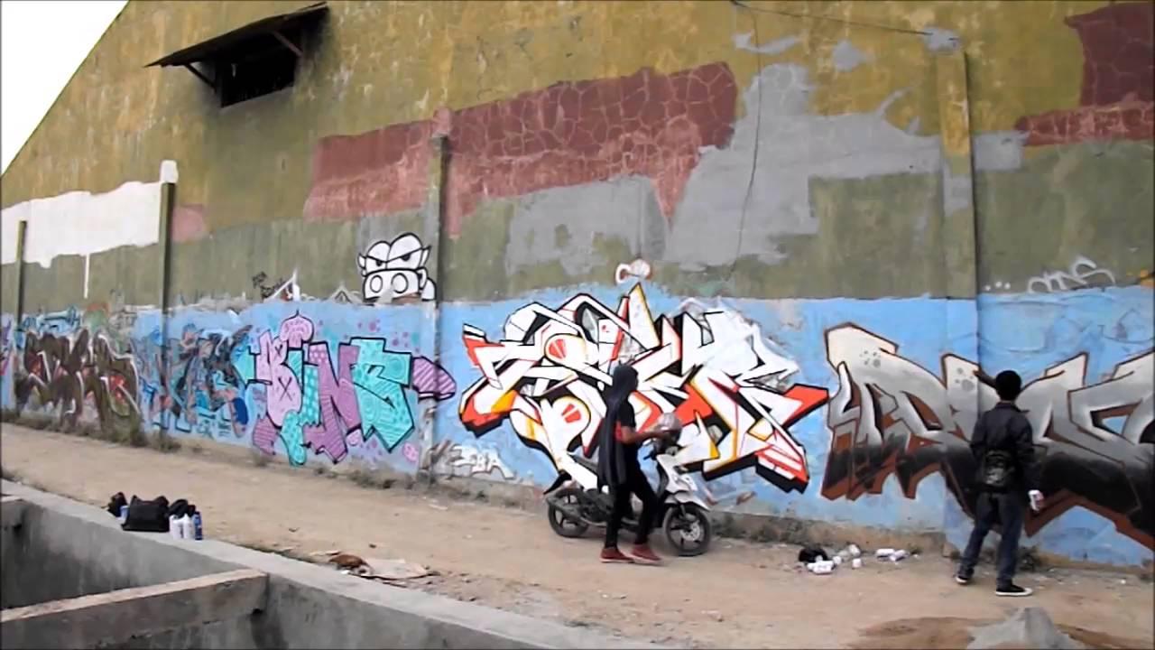Corat Coret Seni Graffiti Mural Art Di Kota Karawang K Town Writer