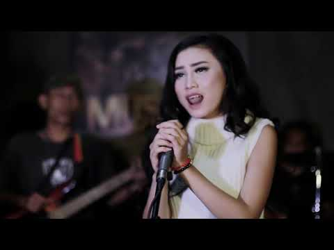 JANGAN RAGUKAN CINTAKU - DONNA J Feat Doddy FR - Official Video