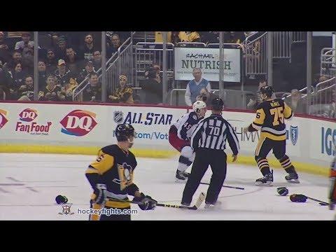Lukas Sedlak vs Ryan Reaves Dec 21, 2017