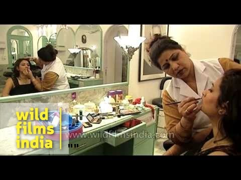 Makeup in beauty salon for women in India