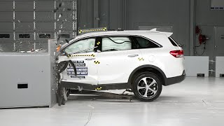 2016 Kia Sorento driver-side small overlap IIHS crash test Video