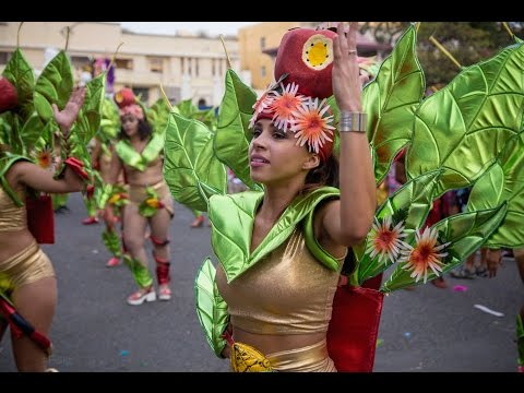 HUGE PARTY! - Carnaval Parade in Cape Verde - Vlog 19