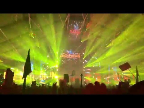Part 1: Carnage Playing November Skies (Junkie Kid VIP Remix) Live at Countdown NYE [HD] [1080p60]