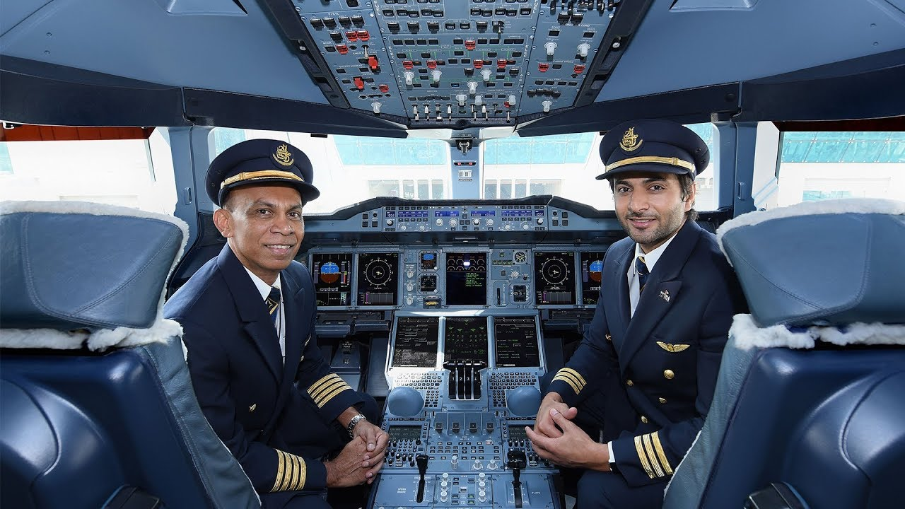 how to become emirates pilot