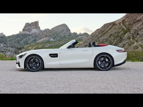 2017 Mercedes-AMG GT Roadster DESIGN