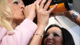 Akustikrausch — Housefrau