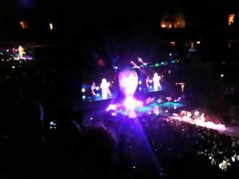 Shakira concert @ American airlines center Dallas 1/oct/201
