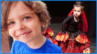 Prenses Rüya'nın Ana Okulunun Yıl Sonu Törenine Gittik, Rüya'nın Gösterisini İzledik | Çocuk Videosu