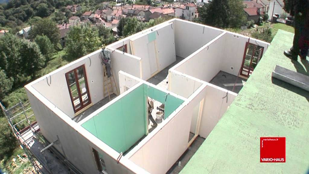 casa prefabbricata montaggio con lelicottero VARIOHAUS Italia  YouTube
