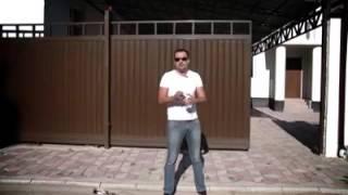 видео Гаражные ворота — автоматические рольставни ( рольворота ) для гаража.