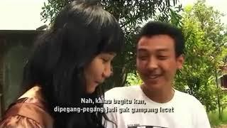 Download Video Video Mesum   Ngajarin anak gadis pake Kondom MP3 3GP MP4