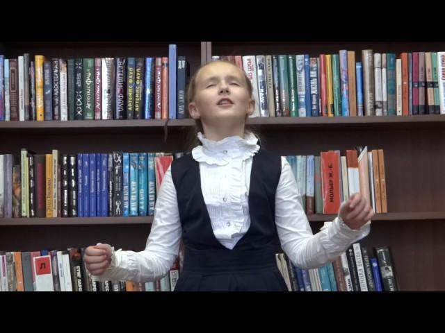 Изображение предпросмотра прочтения – «Детская библиотека им.Н.Носова» читают произведение «Ворона и Лисица» И.А.Крылова